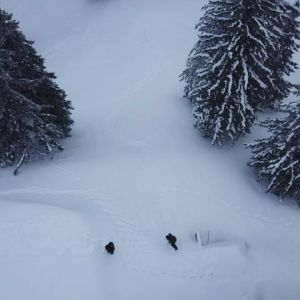 #frisek @dubois.mael from the sky ! #frisekteam #lagruyere #charmey #snowboard