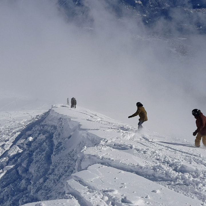 Chargin' the mountain #frisek #frisekday