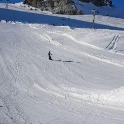 Early season park in @snowparkzermatt #frisek #zermatt #horu @nemofsk 🎥 @guillaumefsk