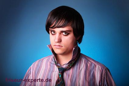 Emo Boys Friseur Experte