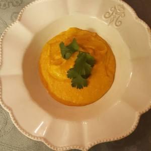 Recept vegetarisk glutenfri soppa med sötpotatis och kokosmjölk utan mjölkprodukter