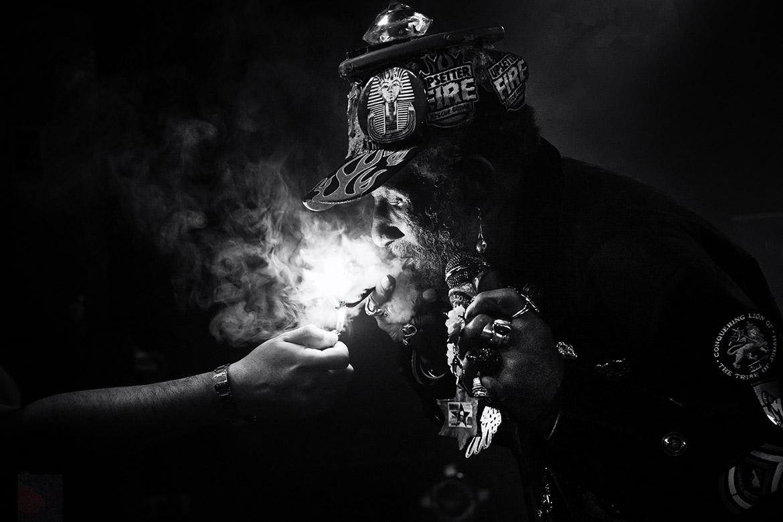 Lee Scratch Perry concert live zaandam flux reggea music singer zanger amsterdam friso kooijman photographer bob marley joint artist performer black white zwartwit foto
