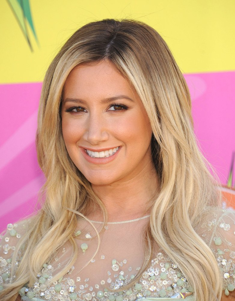 Ashley Tisdale Frisuren Bilder Frisuren Magazin