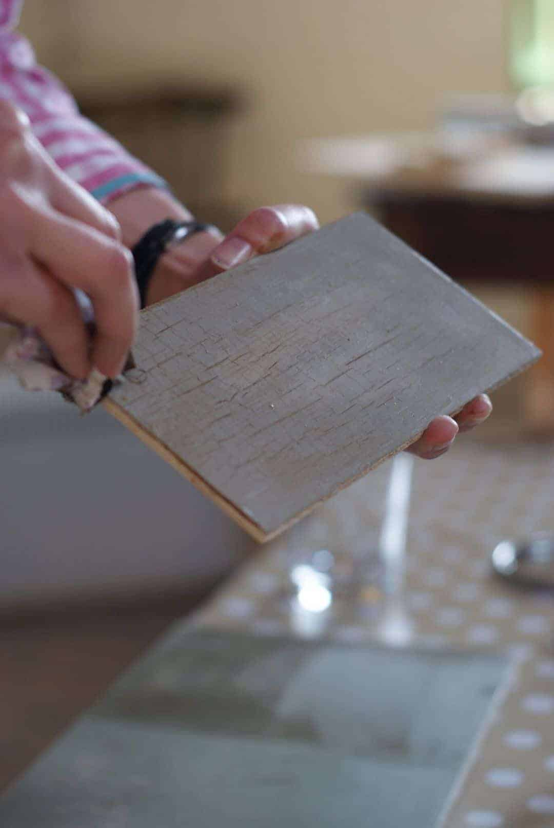 How To Paint And Distress Furniture With Annie Sloan