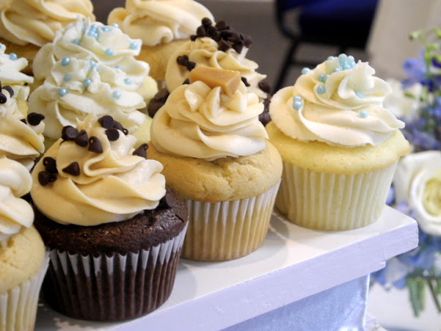 Vanilla Bean Wedding Cupcakes