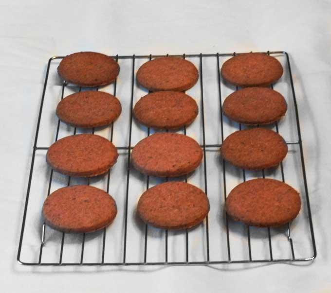 Strawberry-Shortbread-Sandwich-Cookies-4