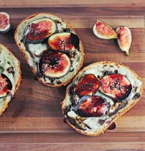 Open Faced Fig and Blue Cheese Sandwiches with Balsamic Reduction