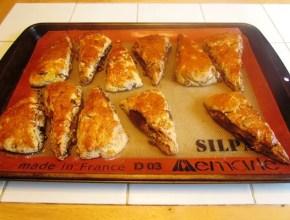 Baked Cinnamon Raisin Scones