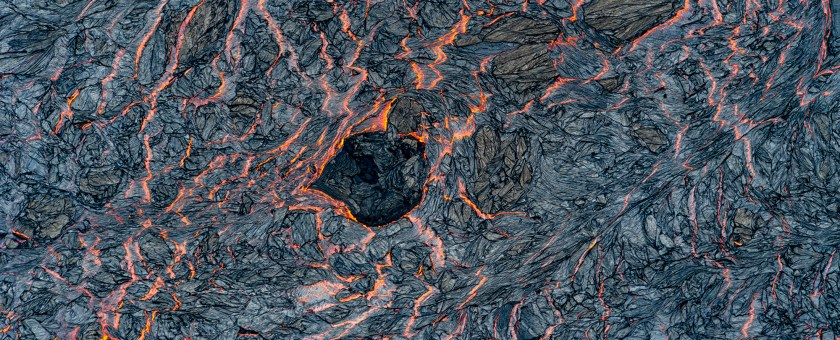 Pattern of lava as it flows in a river from the Puna fissure 8 in Pahoa