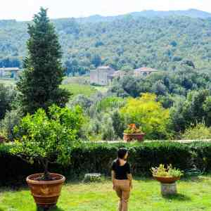 Exploring organic gardens with Carmen and cooking slow food with Loredana at Spannocchia Farm in Italy (by www.fromlusttilldawn.com)