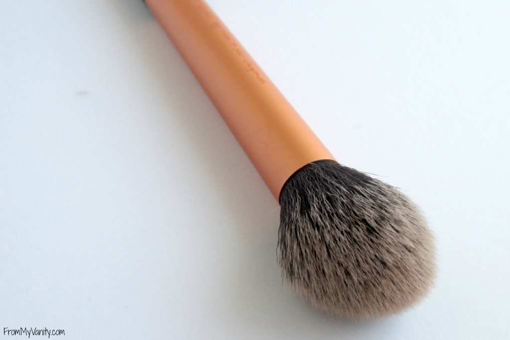 top-drugstore-makeup-brushes-contour