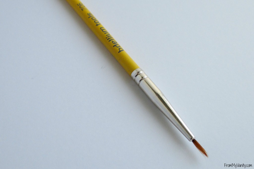 top-drugstore-makeup-brushes-eyeliner