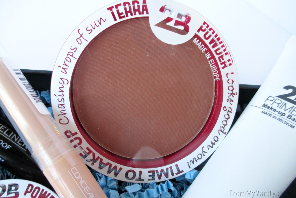2B Colours Terra Powder works as an all over bronzer...or even just a natural-looking blush!