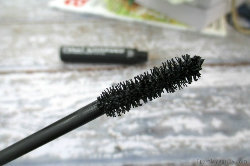 Close up of the PUR Fully Charged mascara wand | FromMyVanity.com