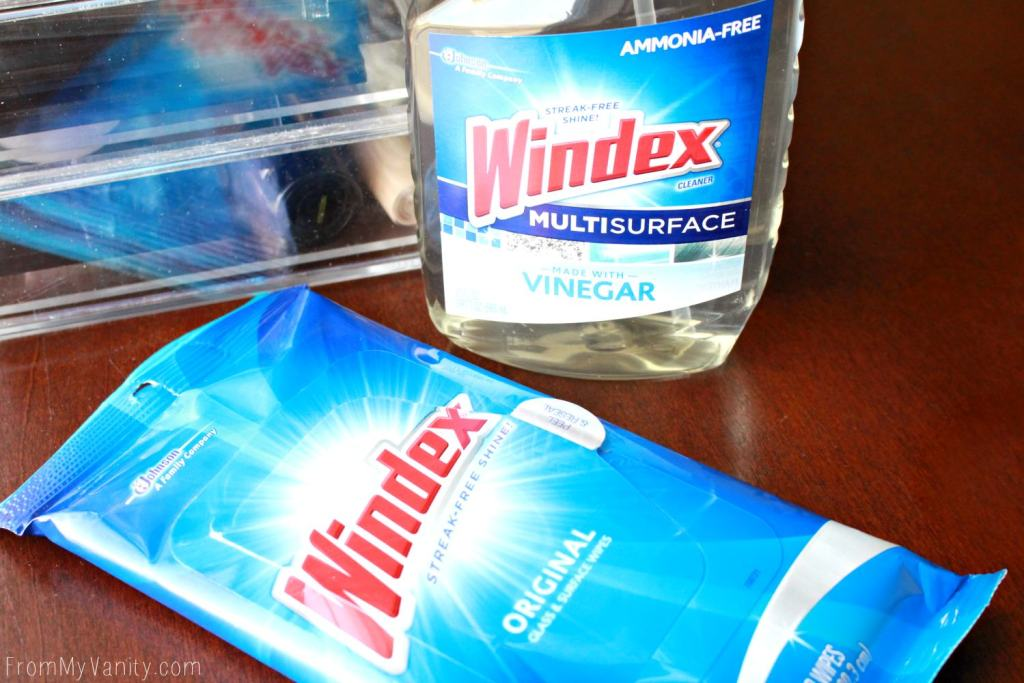5 Tips to Keep Your Vanity Clean - Windex® Original Glass Cleaner