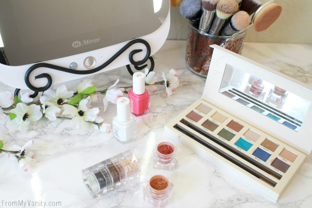 5 Reasons Why the HiMirror PLUS is the Ultimate Gift | Fits easily onto your vanity