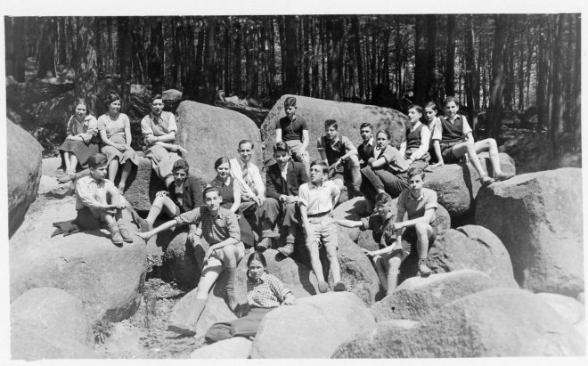 Werner with his pupils at Philanthropin school, Frankfurt am Main