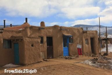 Taos_pueblo_3
