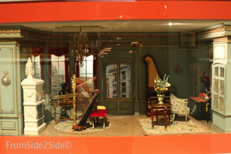 miniaturemuseum24