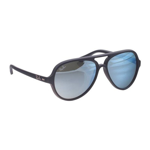 Sunglasses Johnny Depp in Black Mass (2015)