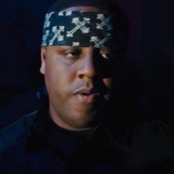 Black bandana Biggie Smalls in All Eyez on Me (2017)
