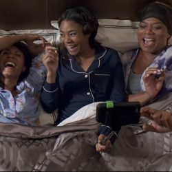 Navy blue pajama Regina Hall in Girls Trip (2017)