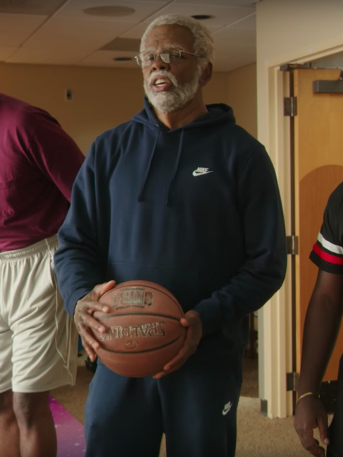 Blue hooded Nike sweater Kyrie Irving in Uncle Drew (2018)