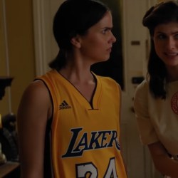 Lakers Kobe Bryant jersey Shelley Hennig in When We First Met (2018)