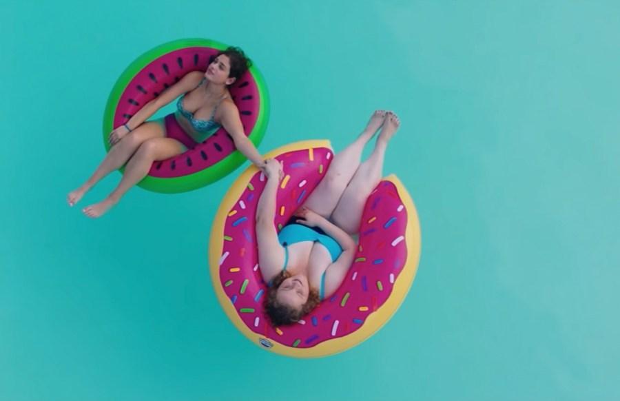 Donut Pool Float in Dumplin' (2018)