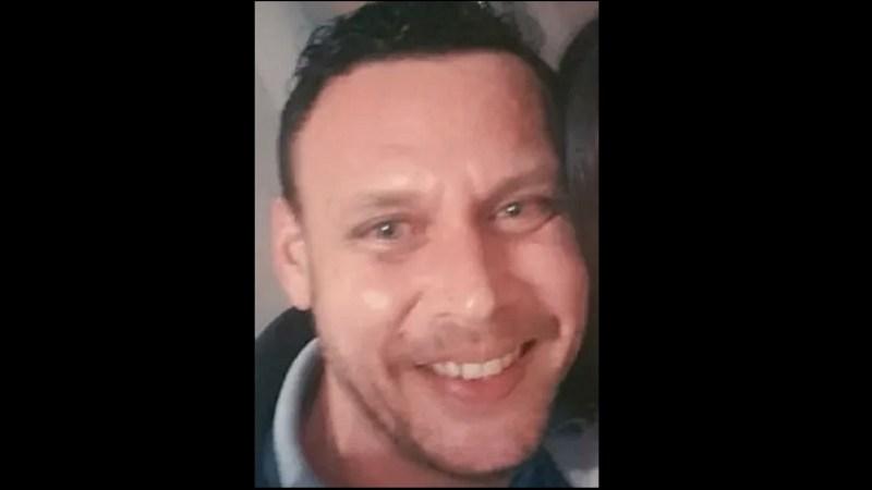 Man killed in Crayford named as 41 year old Wayne Hoskyns: Police still seek witnesses