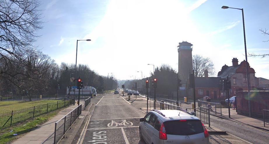 Accident near QE Hospital closes Shooters Hill