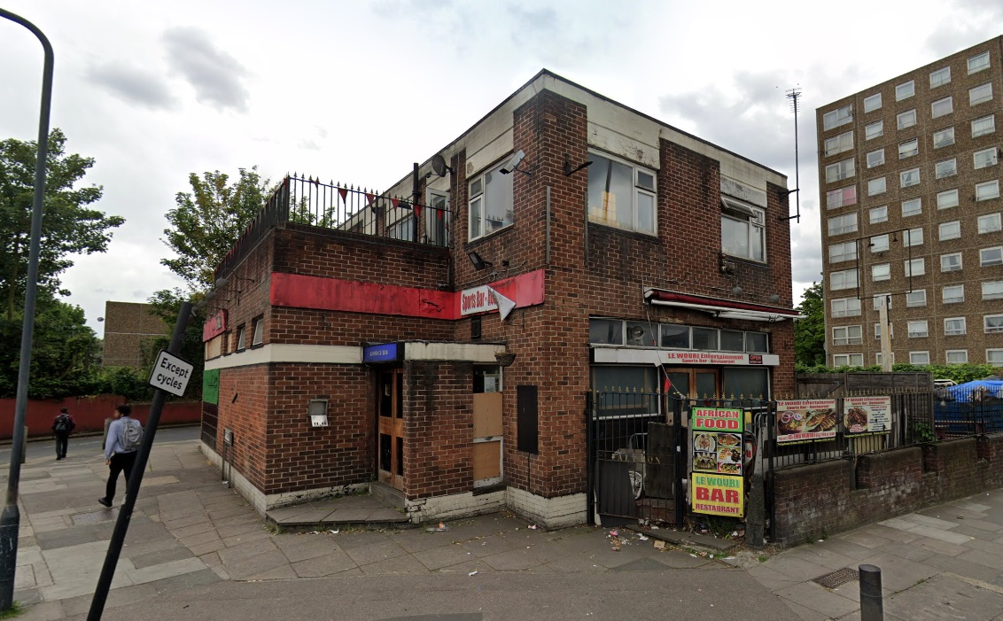 Woolwich bar fined after breaching 10pm closing