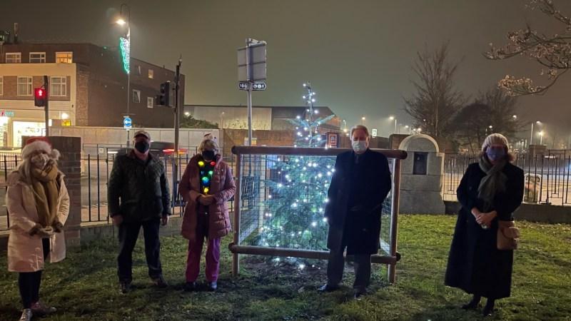 Crayford Christmas tree dazzles crowds
