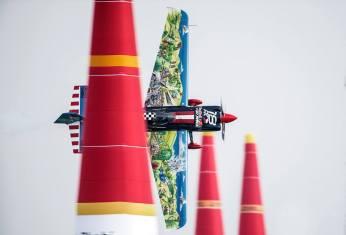 Red Bull Air Race 2016 - Abu Dhabi - Petr Kopfstein