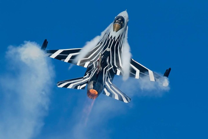 f-16 solo display team baf