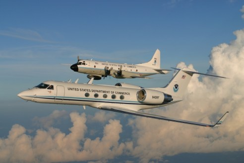 noaa-gulfstream-iv-sp-jet-e-lockheed-wp-3d-orion-n43rf