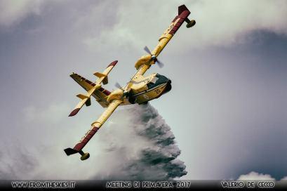 canadair cl-415 drop2