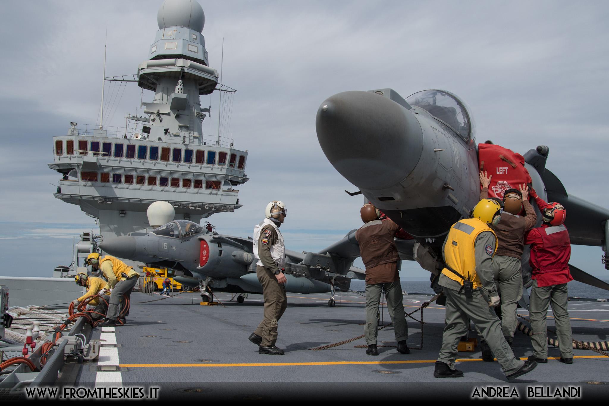 Calendario Marina Militare 2020.Reportage Nave Cavour Ed Il Gruppo Aerei Imbarcati Della