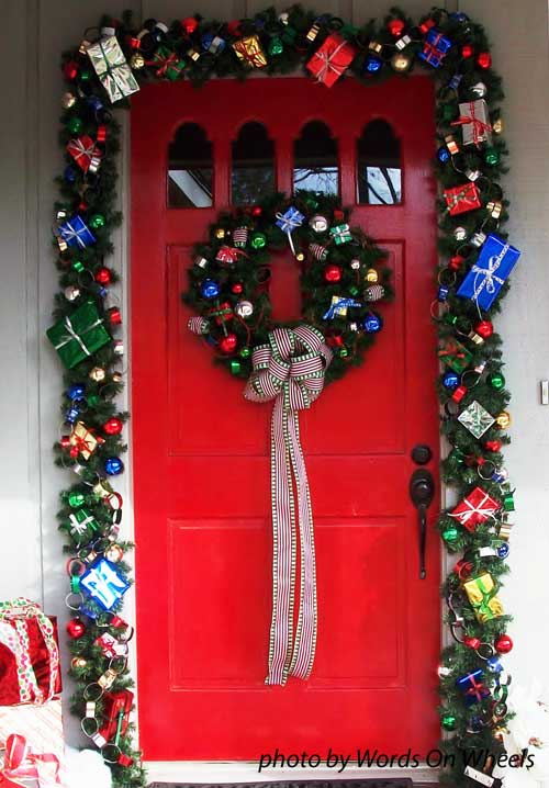 Christmas Door Decoration For Holiday Pizzazz