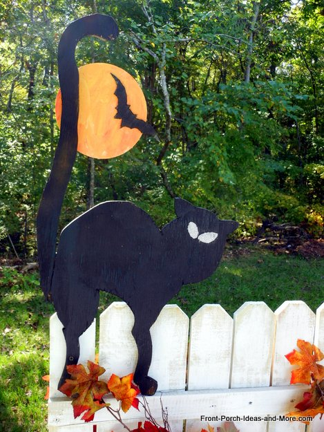 10 Easy Halloween Decorating Ideas For Your Porch or Yard