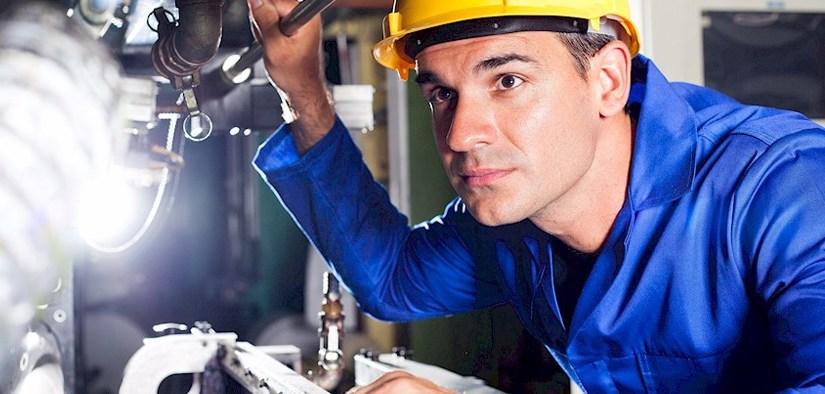 Zoom sur le métier de « technicien plasturgiste »