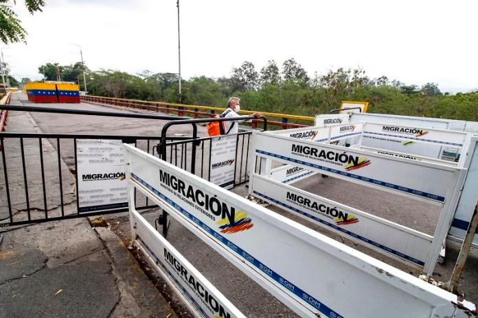 toque de queda Colombia frontera