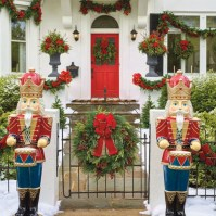 Outdoor Christmas Decor - Outdoor Christmas Displays ...