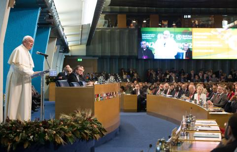 Papa Francesco alla sede della FAO 01