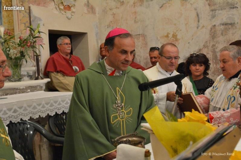 Vescovo-Domenico-Pompili-chiesa-San-Gregorio-Cantalice-foto-Massimo-Renzi-20