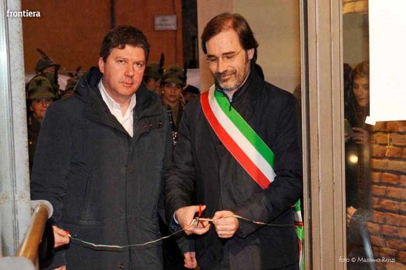 Santa-Barbara-2015-Inaugurazione-mostre-sotto-gli-archi-del-Comune-foto-Massimo-Renzi-09