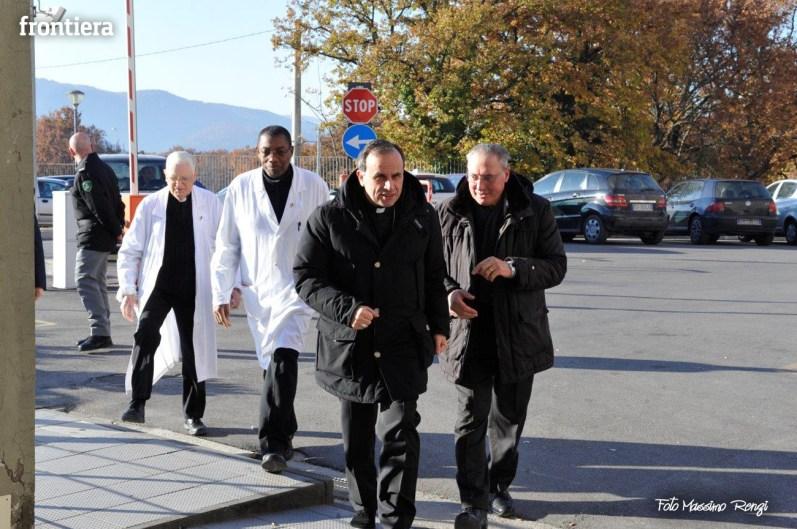 Mons-Domenico-Pompili-visita-al-De-Lellis-(22-dicembre-2012)-foto-di-Massimo-Renzi-01