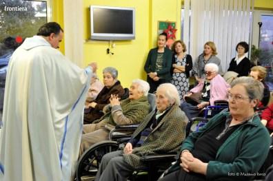 Visita-del-Vescovo-Domenico-Pompili-alla-RSA-di-S-Rufina-foto-Massimo-Renzi-06