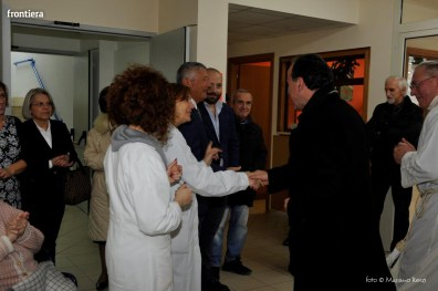 Visita-del-Vescovo-Domenico-Pompili-alla-RSA-di-S-Rufina-foto-Massimo-Renzi-15