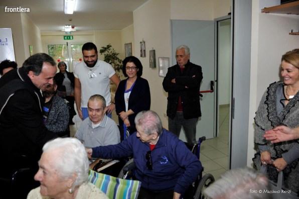 Visita-del-Vescovo-Domenico-Pompili-alla-RSA-di-S-Rufina-foto-Massimo-Renzi-22